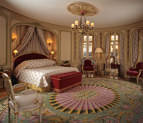 The-Royal-Suite-Bedroom